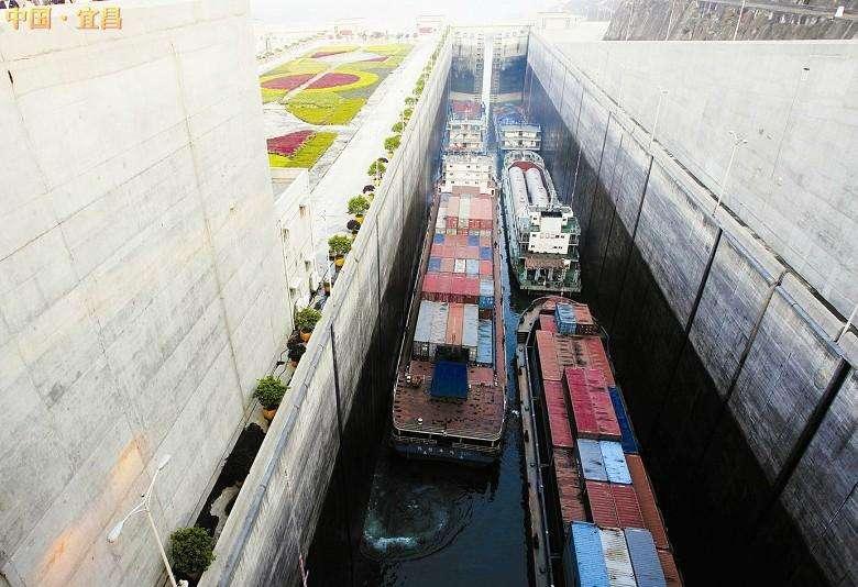 三峡大坝 过闸 船闸 排队